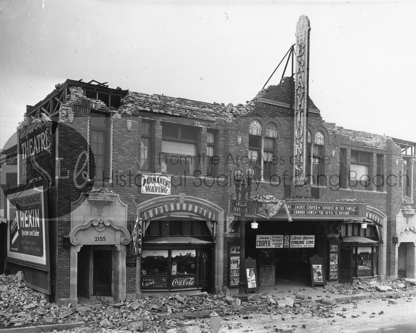 Brayton's Theatre after the 'quake, 1933