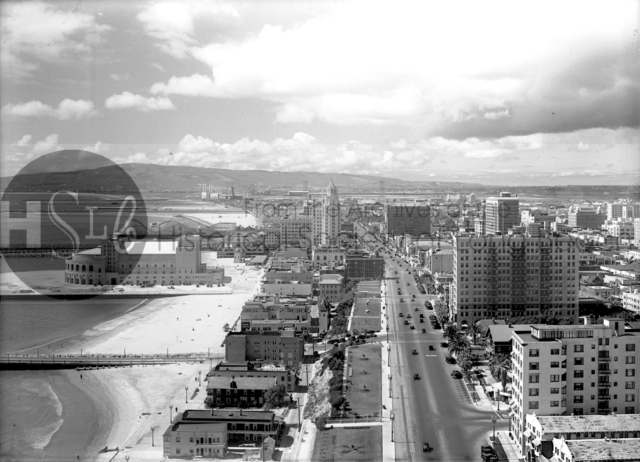 Looking west on Ocean Blvd. from the Villa Riviera, 1932